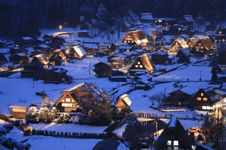 หมู่บ้านหลังคาโบราณ ชิราคาวะโกะ (Shirakawa-go)